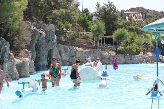 детский бассейн - Picture of Aquapark Dedeman Bodrum ...