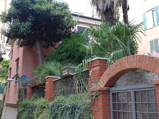 Al Villino Bruzza : Ansicht von der Via Bruzza