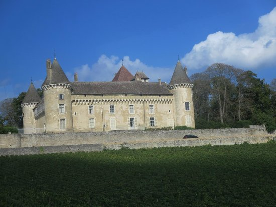 Chateau de Rully : Chateau exterior