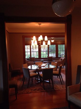 The Outlook Lodge : Common dining area