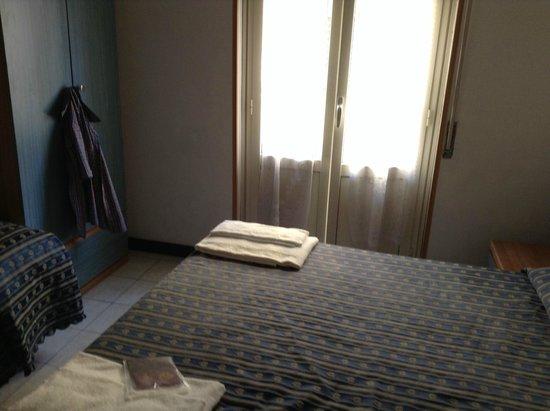 Athena Hotel: отель