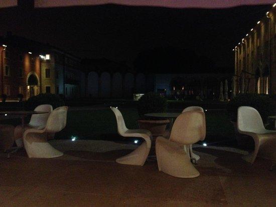 Hotel Veronesi La Torre: giardino