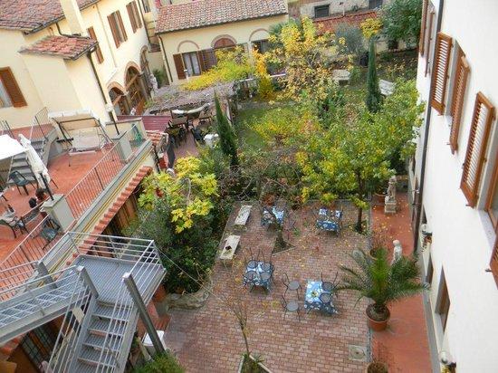 Hostel Archi Rossi: Patio del Hostel