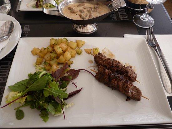 Caffe Roma: econdo di carne + alsa ai funghi