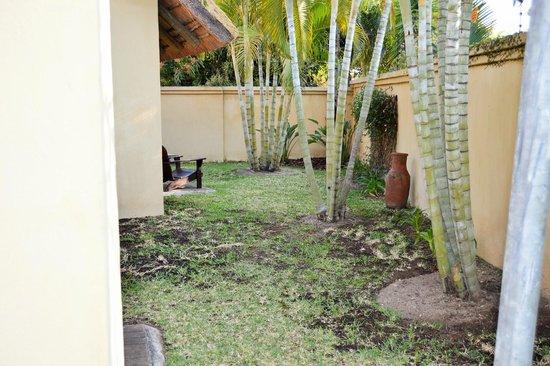 La Lechere Guest House: Garden