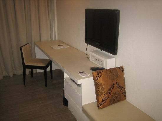 โรงแรมบาติก บูติก: Writing desk