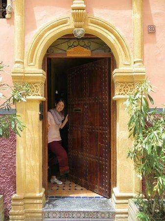 Dar Yanis : Front Door