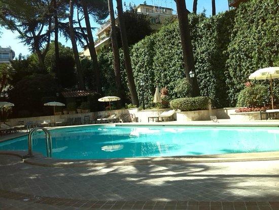 Piscine picture of aldrovandi villa borghese rome for Rome hotel piscine