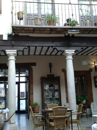 Hotel Rural Casa Grande Almagro: Inside patio where breakfast is served