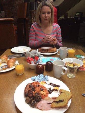 Monkey Puzzle : full english breakfast