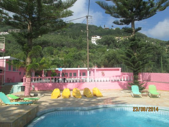 The Pink Palace: around the jacuzzi