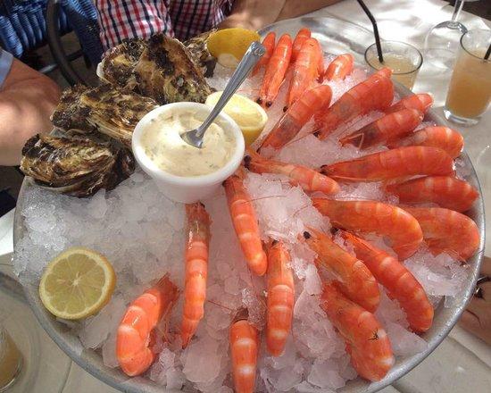 Restaurant La Barque Bleue: Huîtres et crevettes
