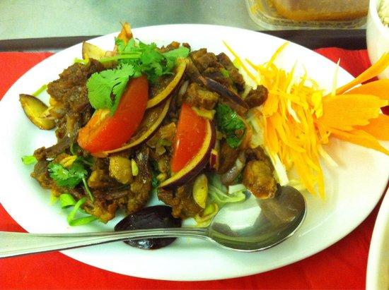 Thai Manor Restaurant: Roast duck Thai style salad (Yum ped grob)