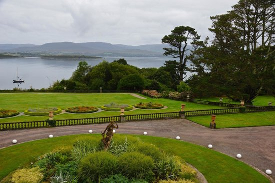 Bantry House B&B : view from corner window