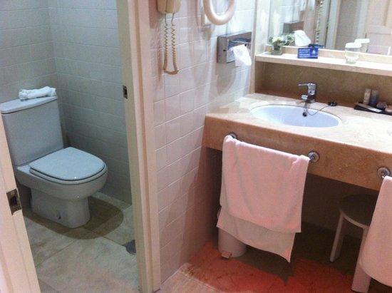 Hotel Jerez & Spa : baño separado