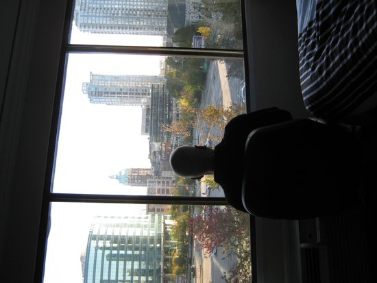 Sandman Hotel Vancouver City Centre : Morning coffee and a spectacular view