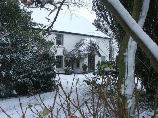 Boundary Farm Bed & Breakfast: House in winter