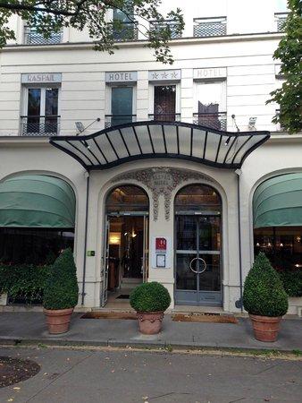 Raspail Montparnasse Hotel: Front Entrance