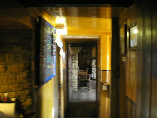The Square and Compass Inn: Corridor