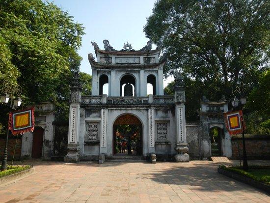 Vietnam Travel Center: Hanoi