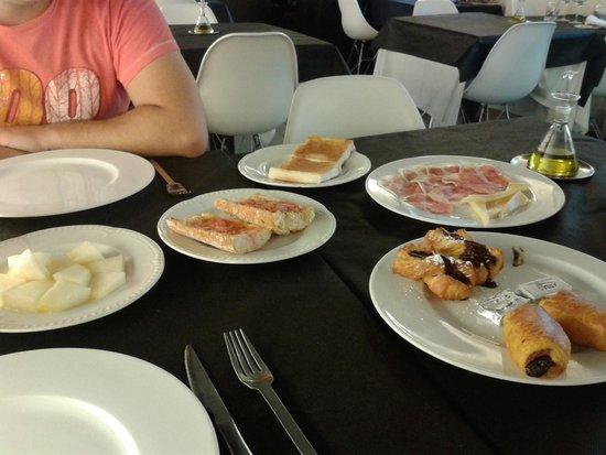 Casa Marisa: desayuno y todavía faltaban cosas