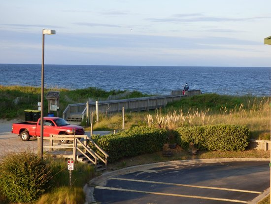 Quality Inn Carolina Oceanfront: On the beach area
