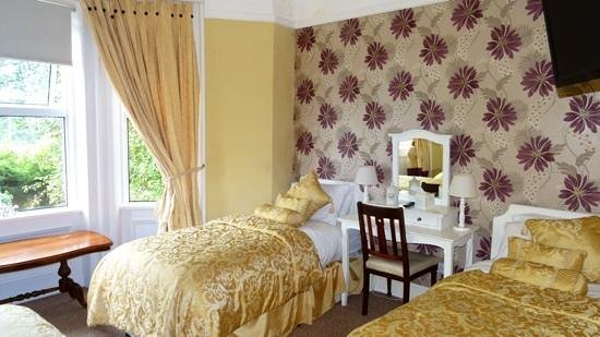 Arkle House Bed and Breakfast: Bedroom (three beds)
