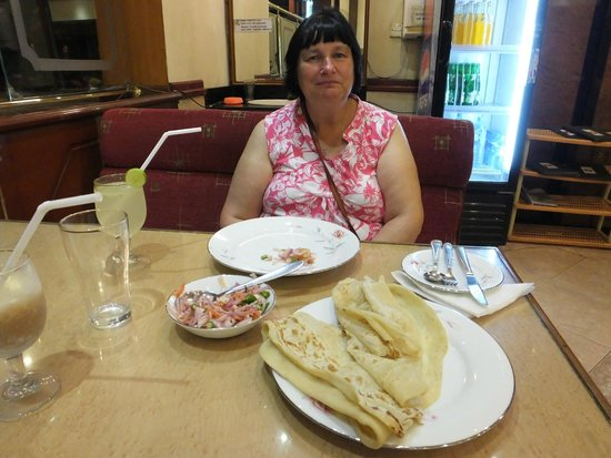 Green View Restaurant: Bon Appetit..!