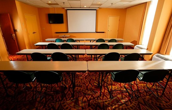 Hampton Inn I-75 Lexington/Hamburg Area: Customizable meeting space