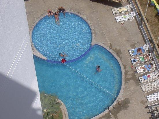 Hotel Margarita Lake Plaza : La piscina del hotel