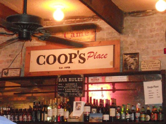 Chateau Hotel: Coop's Place