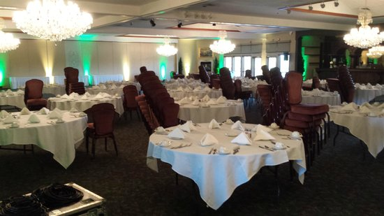 Cliffbreakers Riverside Hotel & Conference Center: Ahman Green VIP Party Setup