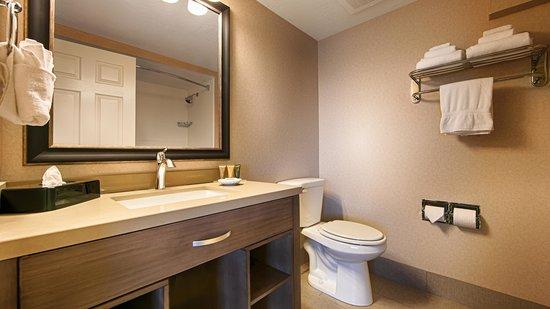 Best Western Plus Cottontree Inn: Remodeled Bathroom