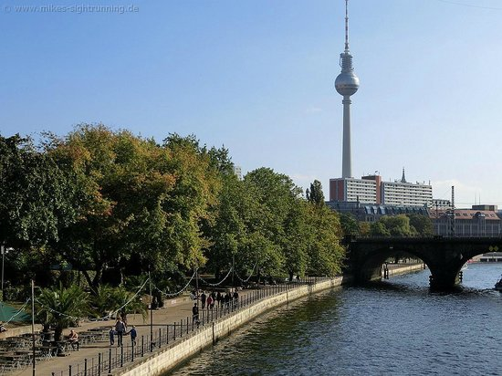 Mike's SightRunning Berlin: Sightjogging mit Mike an der Spree