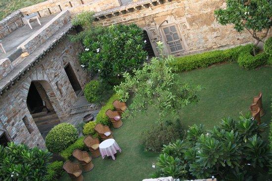 Dadhikar Fort: Open space for High Tea