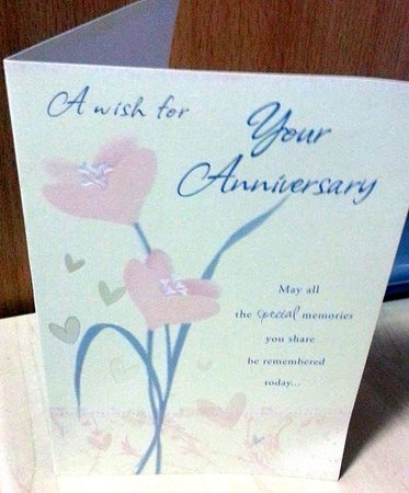 Adelaide House Hotel: our card from Derek & Caryn :-)