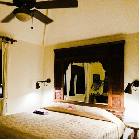 The Palmwood : The bed
