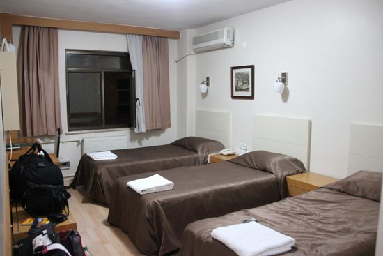 Grand Ons Hotel : Zimmer