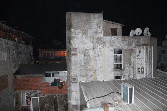Grand Ons Hotel : Ausblick aus dem Fenster