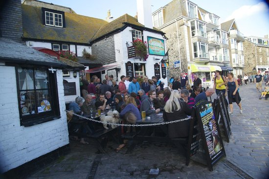 The Sloop Inn: The outside seating; great on a nice evening but a bit noisy