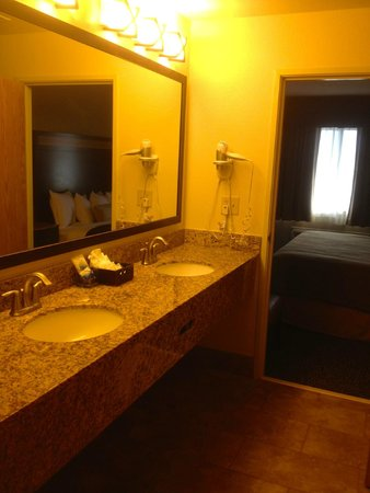 Best Western Plus Castle Rock: The Double Vanity is a Nice Touch