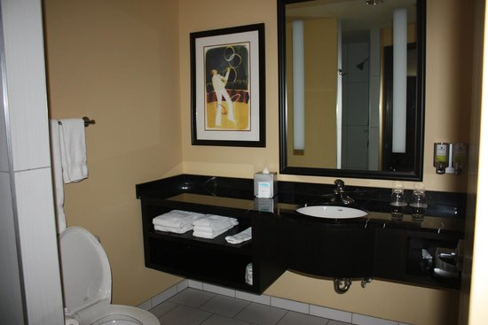 The Maxwell Hotel - A Staypineapple Hotel: modern bathroom with walk in shower-no tub