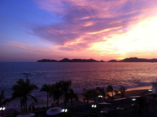 Copacabana Beach Hotel: Vista desde el Jacuzzie en la alberca