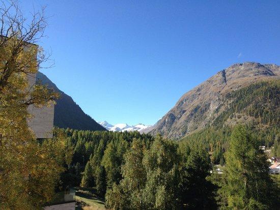 Hotel Saratz: Aussicht auf Roseggtal & Gletscher