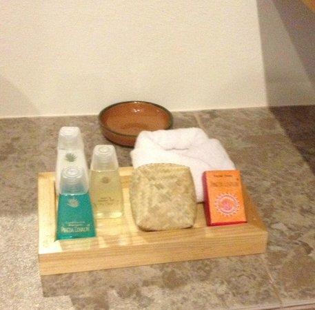 XTILU Hotel: Toiletries