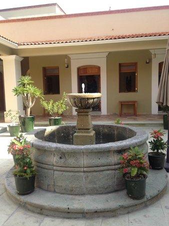 XTILU Hotel: Beautiful Courtyard