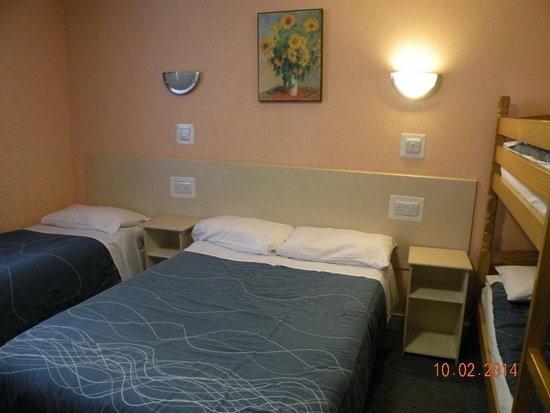 Macdonald Hotel Family Room For 5 A Twin Double And Bunk
