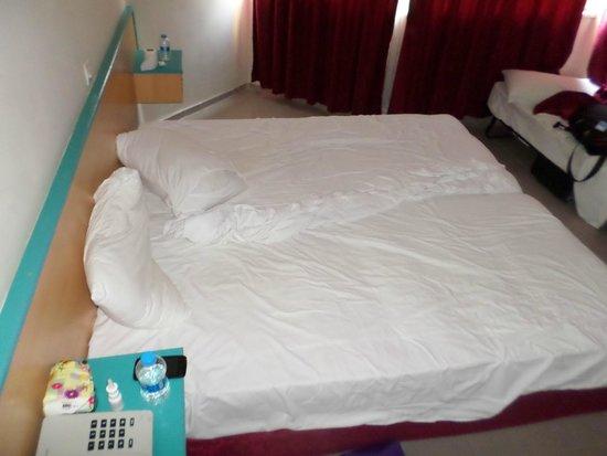 Club Sun Heaven: Кровати (2 шт) в номере для пары