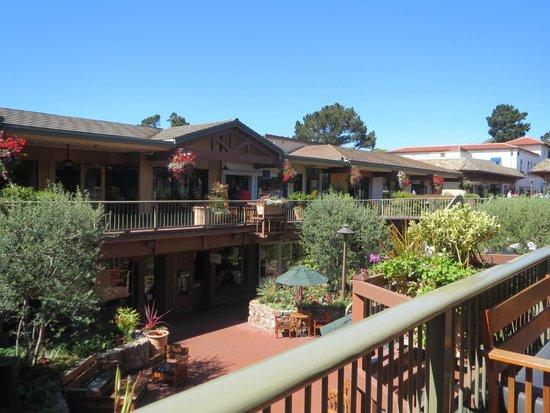 Carmel Plaza: Vista general