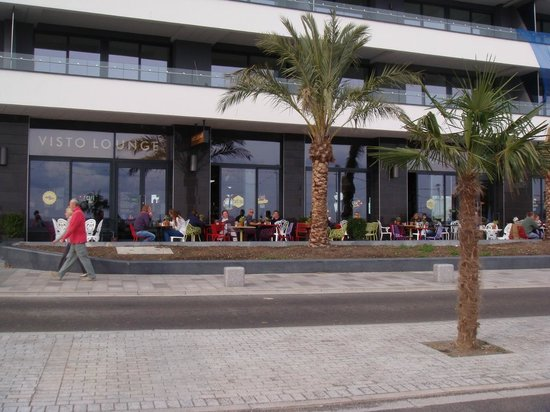 The Baytree Hotel: Outside seating at new restaurants